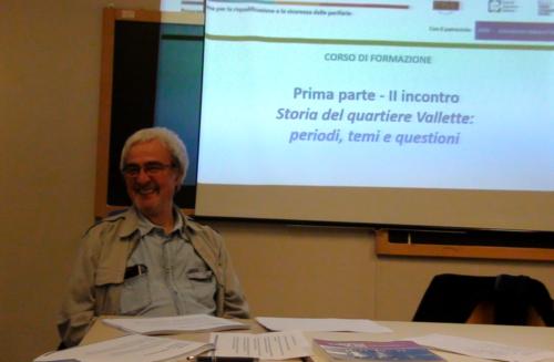 Giorgio Sacchi tiene la lezione sulla storia del quartiere -05/11/2018